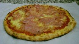 pizza al prosciutto, pizza prosciutto e formaggio