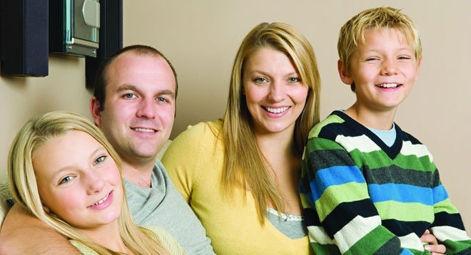 dentists-bo'ness-falkirk-long-&-gilmour-happy-family