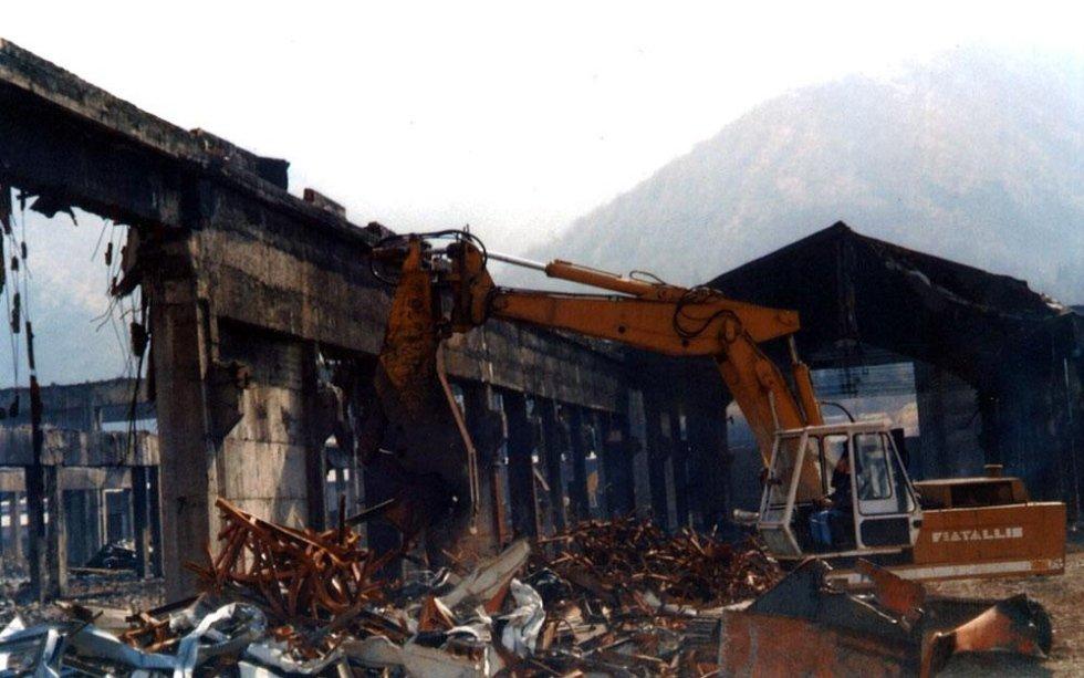 demolizione stabili industriali