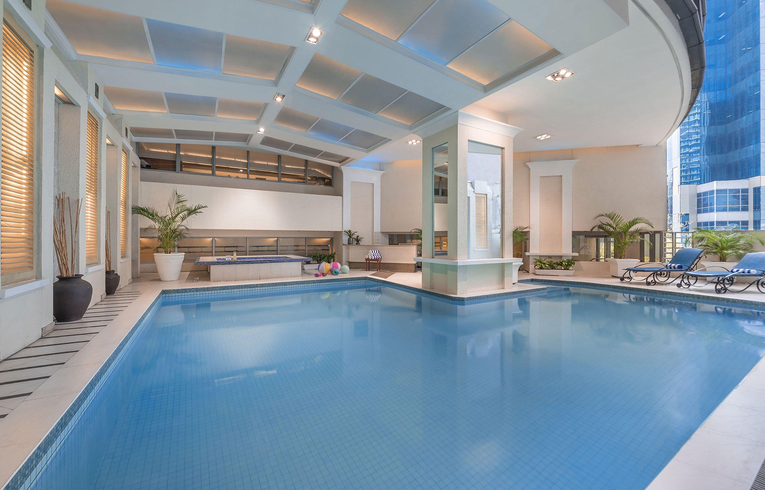 piscina all'intenro