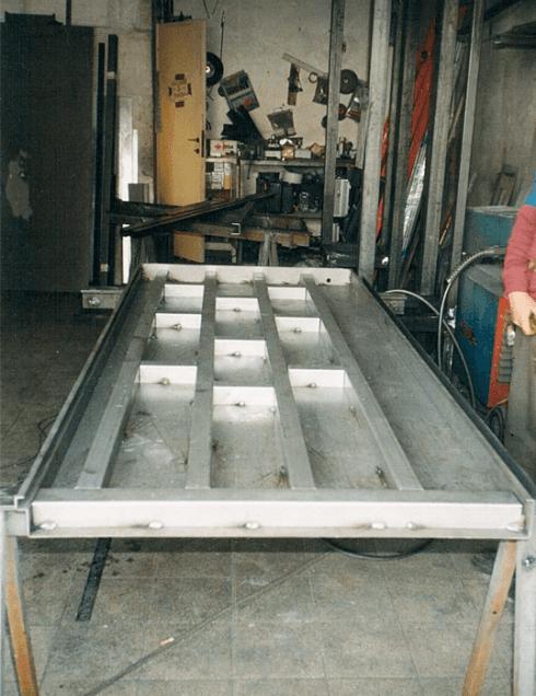 produzione porta metallo