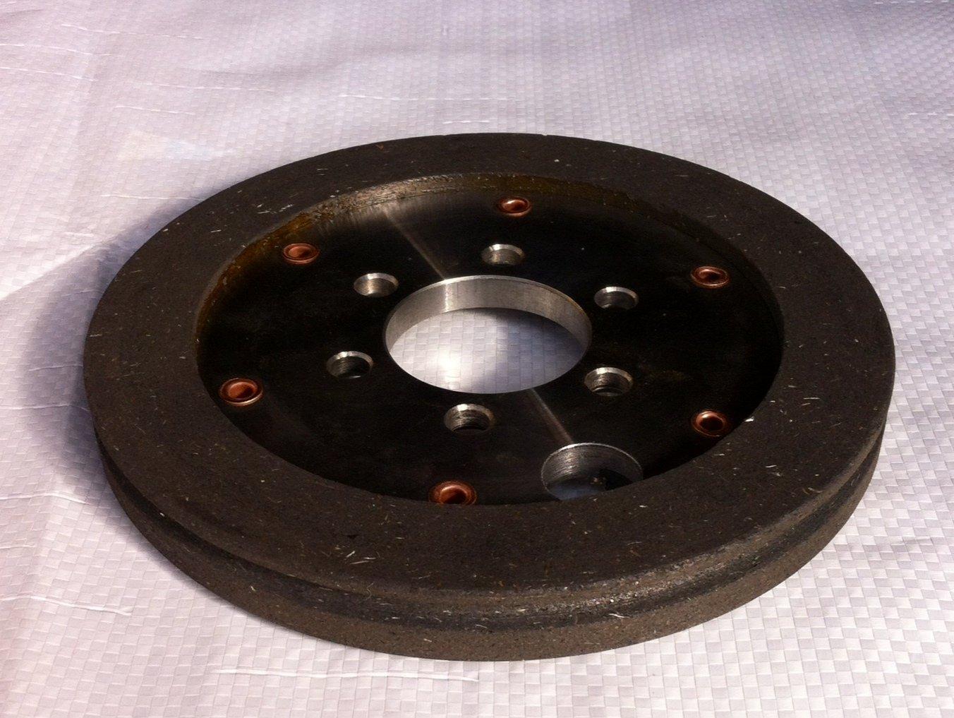 disco di un freno in gomma e metallo