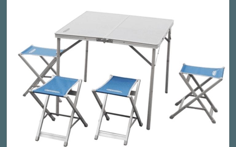 tavolino e sedie da campeggio