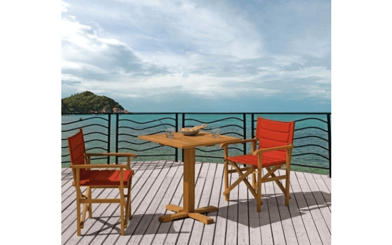Tavolino e sedie in legno per ambienti esterni