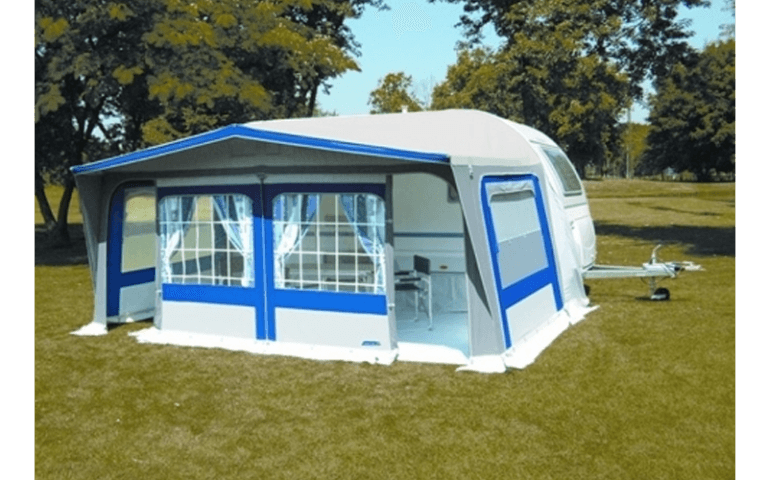 ampia tenda moderna