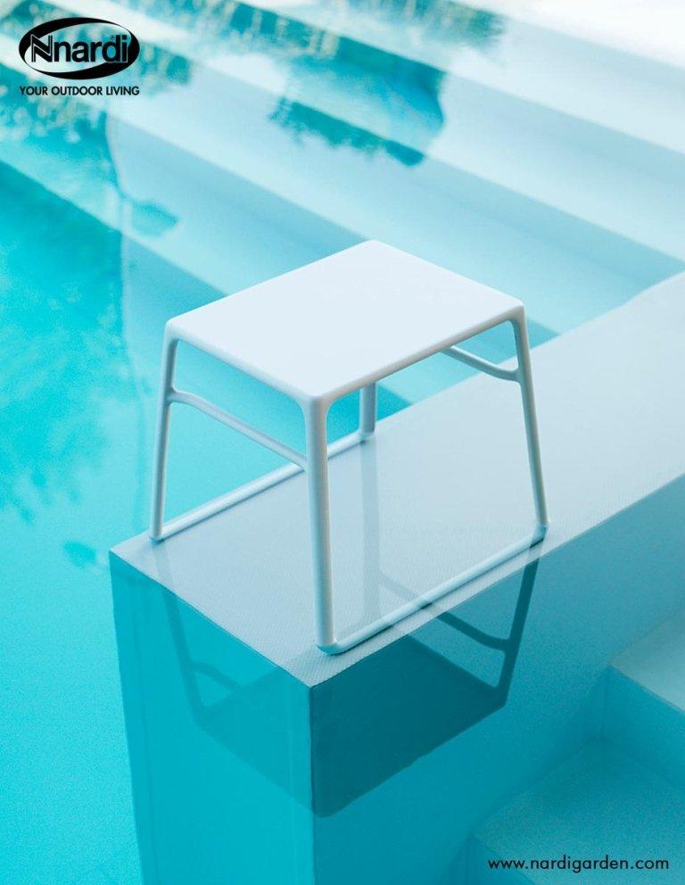 tavolino per piscine