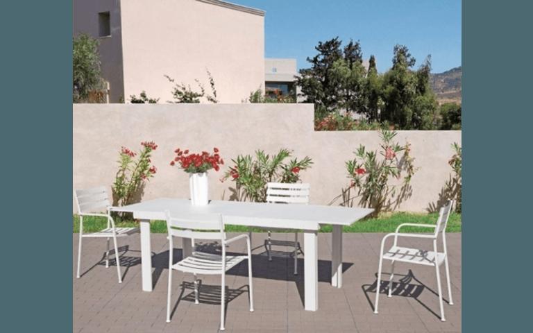 tavolo e sedie in pvc per esterni