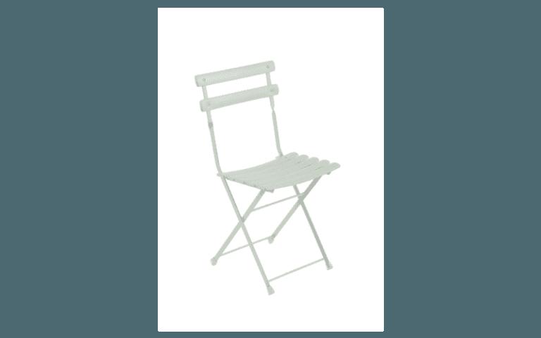 sedia bianca in pvc per esterni