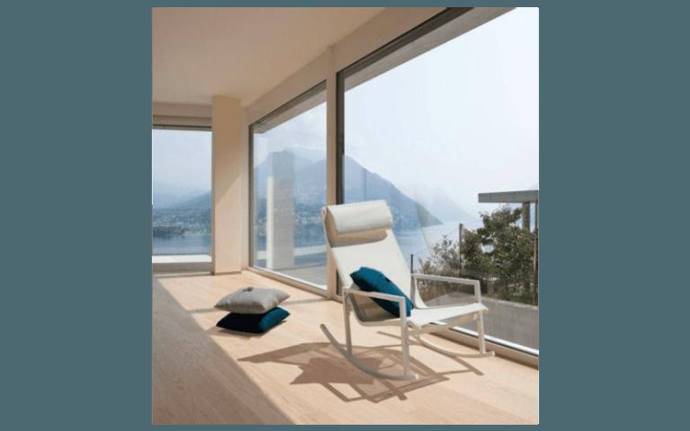 sdraio moderna per uso interno