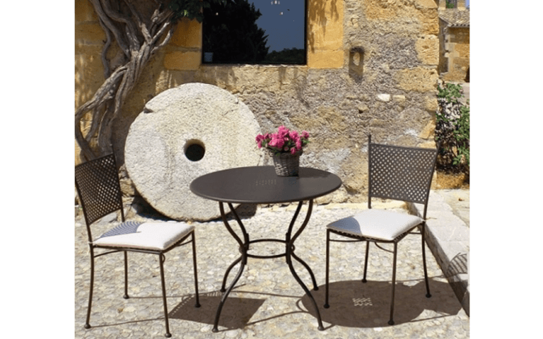 tavolino rotondo per uso esterno
