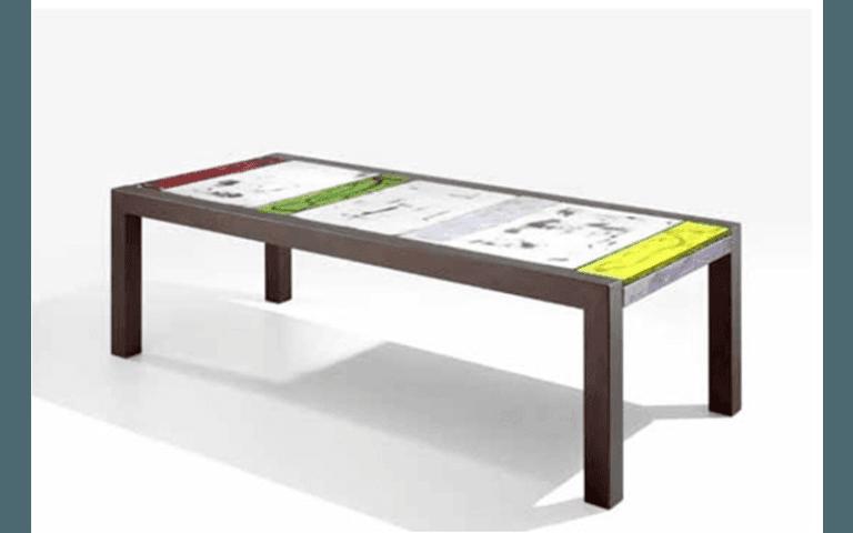 tavolo moderno per esterni