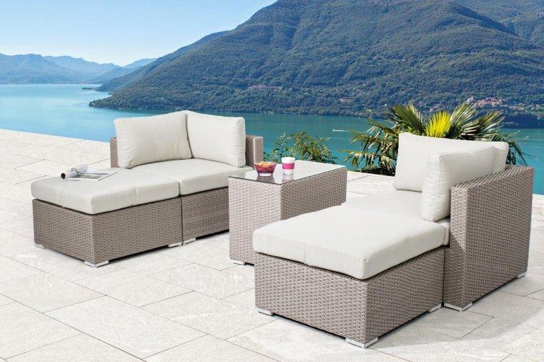 set completo con tavolini e divano