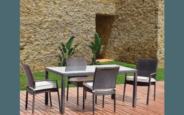 tavoli e sedie per giardino