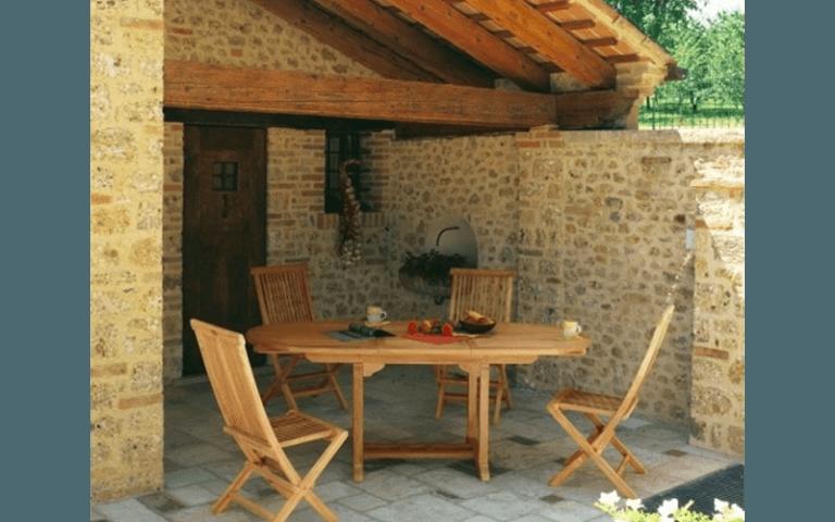 tavolo in legno per campeggio