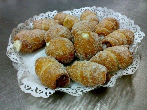 pasticceria, dolci tipici, pasticceria tipica siciliana, torciglioni alla crema