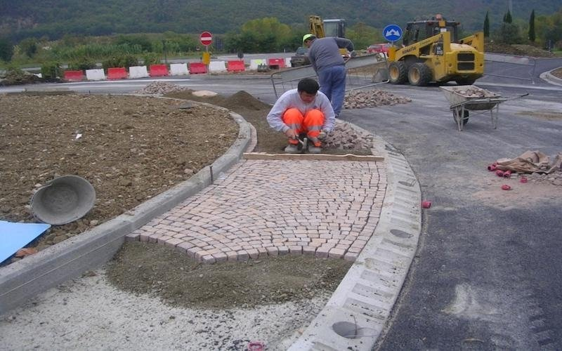 Realizzazione pavimentazioni