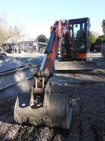 escavatore ghiaia
