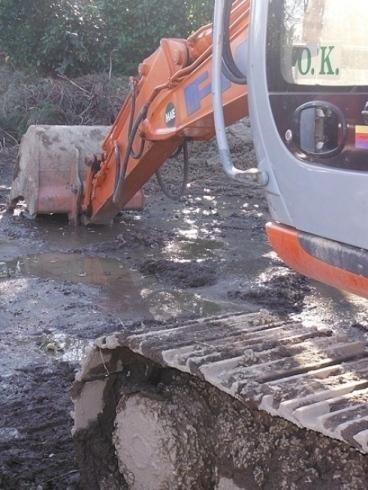 scavi escavatore