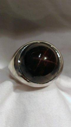 Anello argento con granato stellato