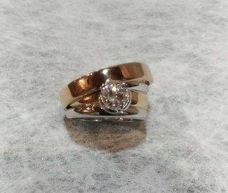 Anello quattro fedi con diamante