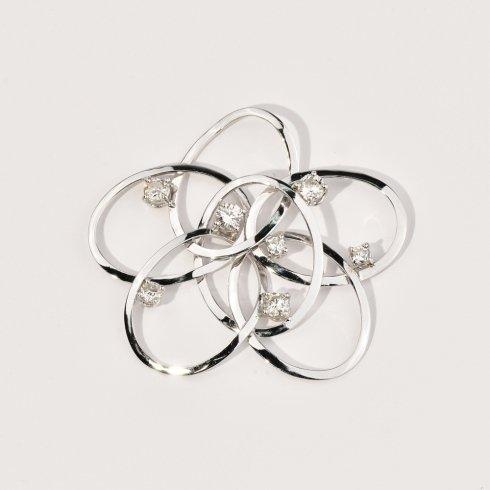 Oro bianco con diamanti