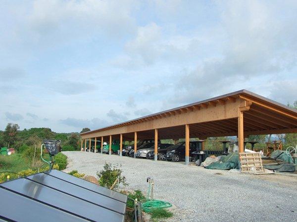 costruzione per parcheggio