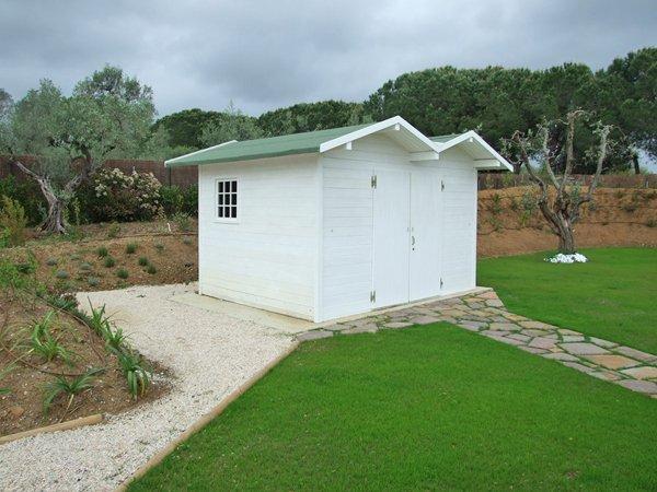 case ecologiche con sentieri