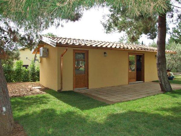 piccola casa con giardino