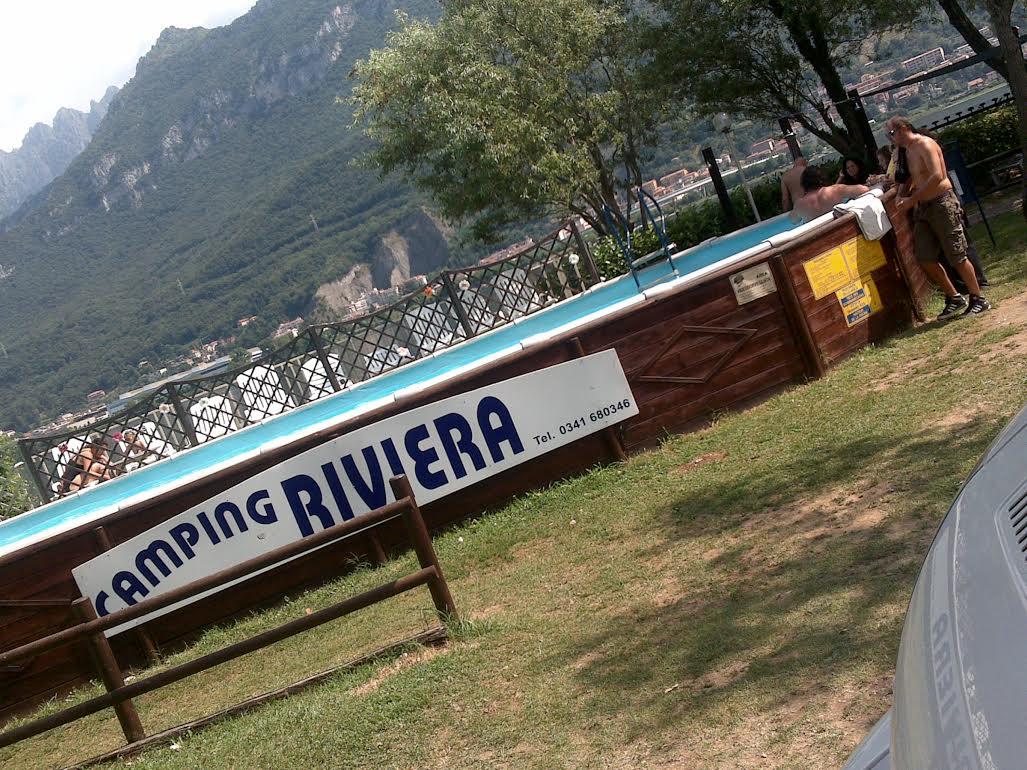 Campeggio lecco camping village riviera for Piscina montabile