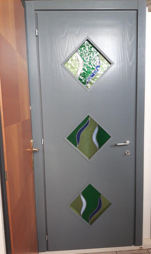 porta con decorazione in vetro soffiato