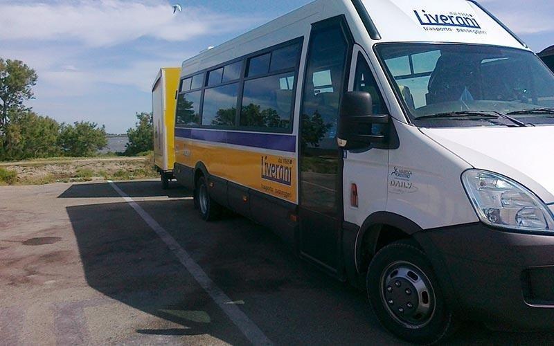 Noleggio minibus con carrello per bici