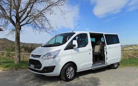 Minivan Ford Tourneo Custom 8 passeggeri