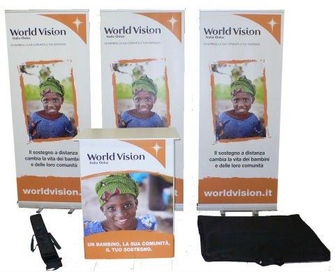 dei volantino con scritto World Vision  e le immagini di un bambino africano