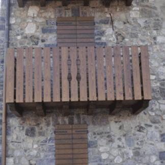 Persiane esterne e ringhiere in legno