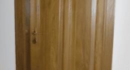 porta in legno, stipiti, intelaiatura in legno