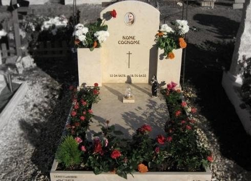 Monumenti per cimiteri
