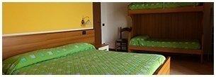 camera tripla dell'hotel