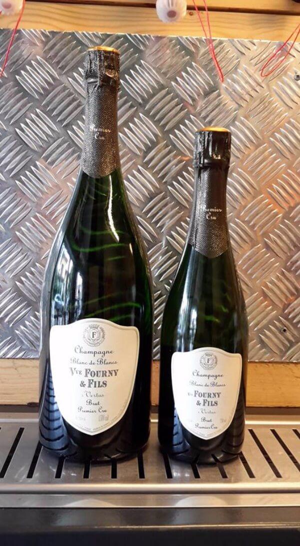 Due bottiglie di champagne