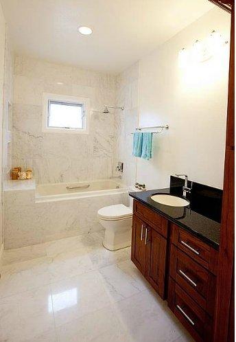 Bathroom renewed by renovation builder in Honolulu, HI