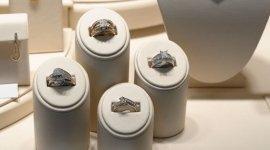 gioielli d'oro, articoli decorativi, gioielli di corallo