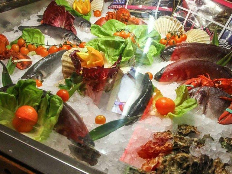 Pranzo Di Compleanno A Base Di Pesce : Specialità pesce torino ristorante mirò