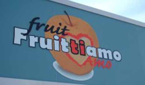 insegna fruit Fruittiamo