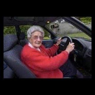 Corsi di perfezionamento per guida di autoveicoli