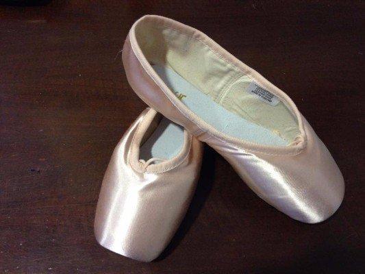 due scarpe ballerine color rosa
