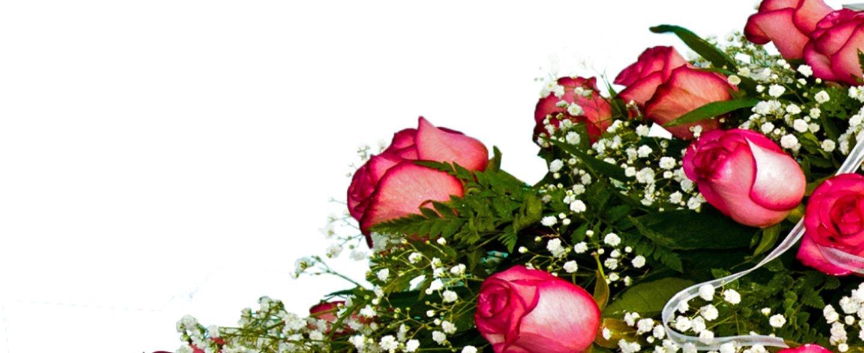 composizione floreale con rose rosa