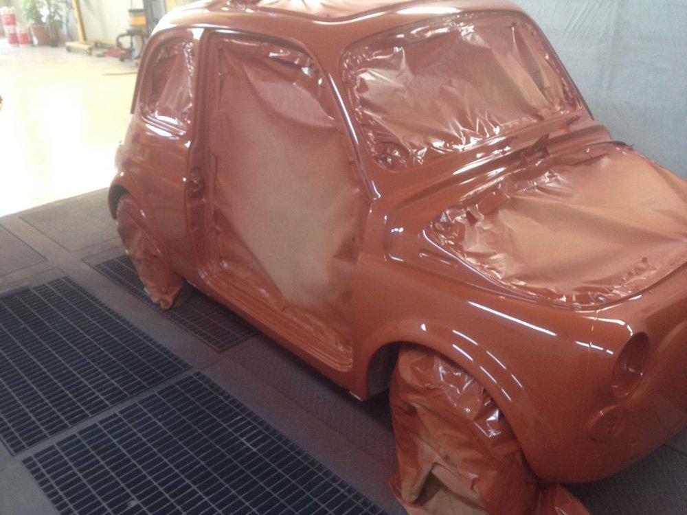 Fiat 500 in verniciatura
