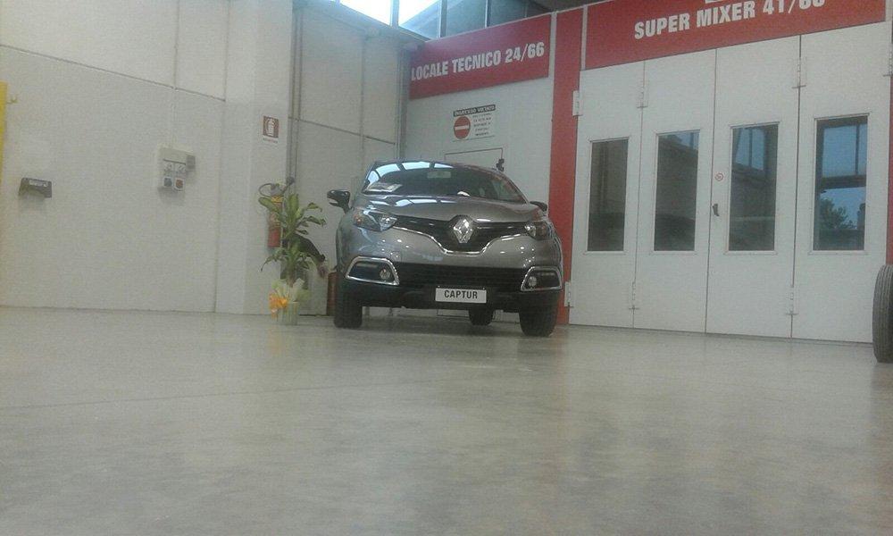 Renault Captur grigia