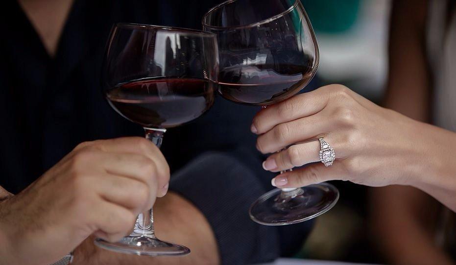 ladies night wine and jewelry