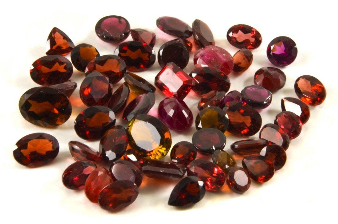 red garnet gemstones
