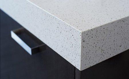 WHite colour non porous quartz surface